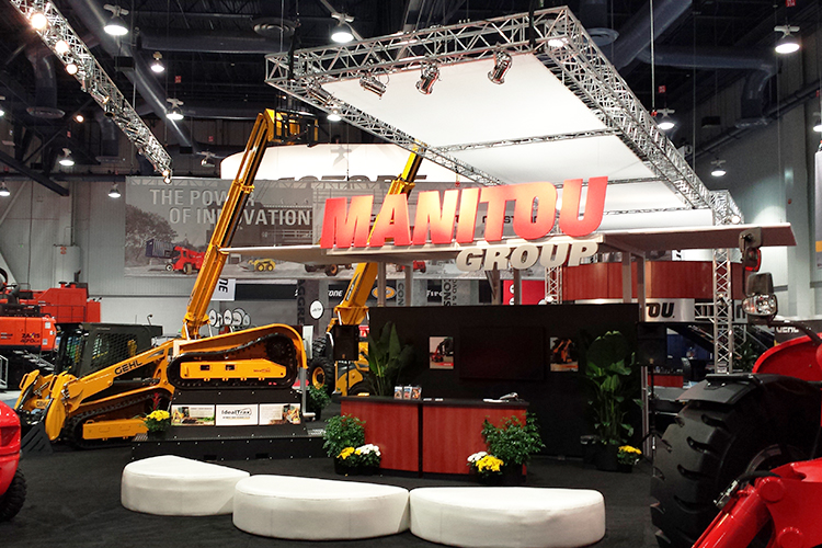 Manitou at Conexpo Super Booth