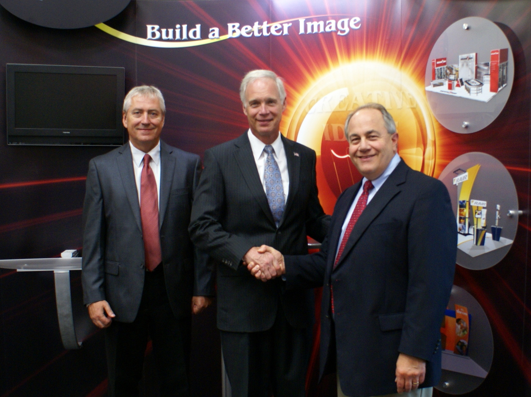 Senator Ron Johnson visits Exhibit Systems