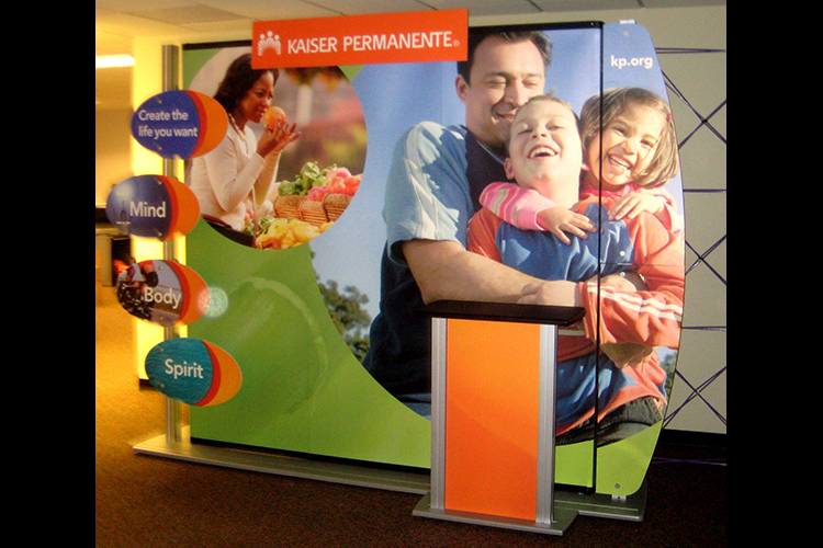 Kaiser Permanente 10′ Portable Display