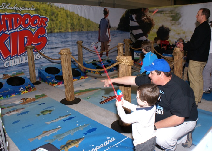 Do You Want to Play?  Draw Visitors to Your Trade Show Booth with Engaging Activities